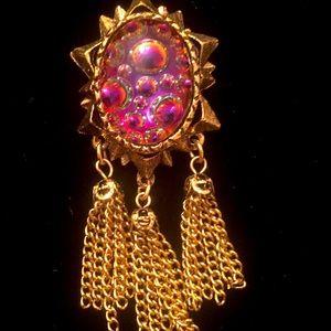 Stunning tassel brooch beautiful!